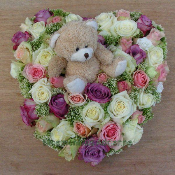 Rouwhart roze wit met knuffelbeertje
